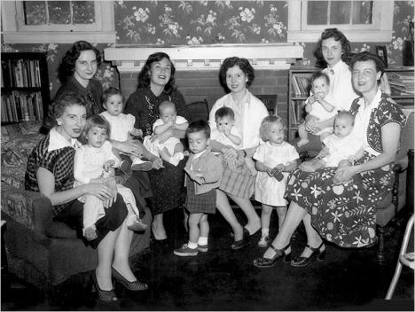 Les fondatrices de LLL. Mary Ann Cahill est la 3e à partir de la gauche.